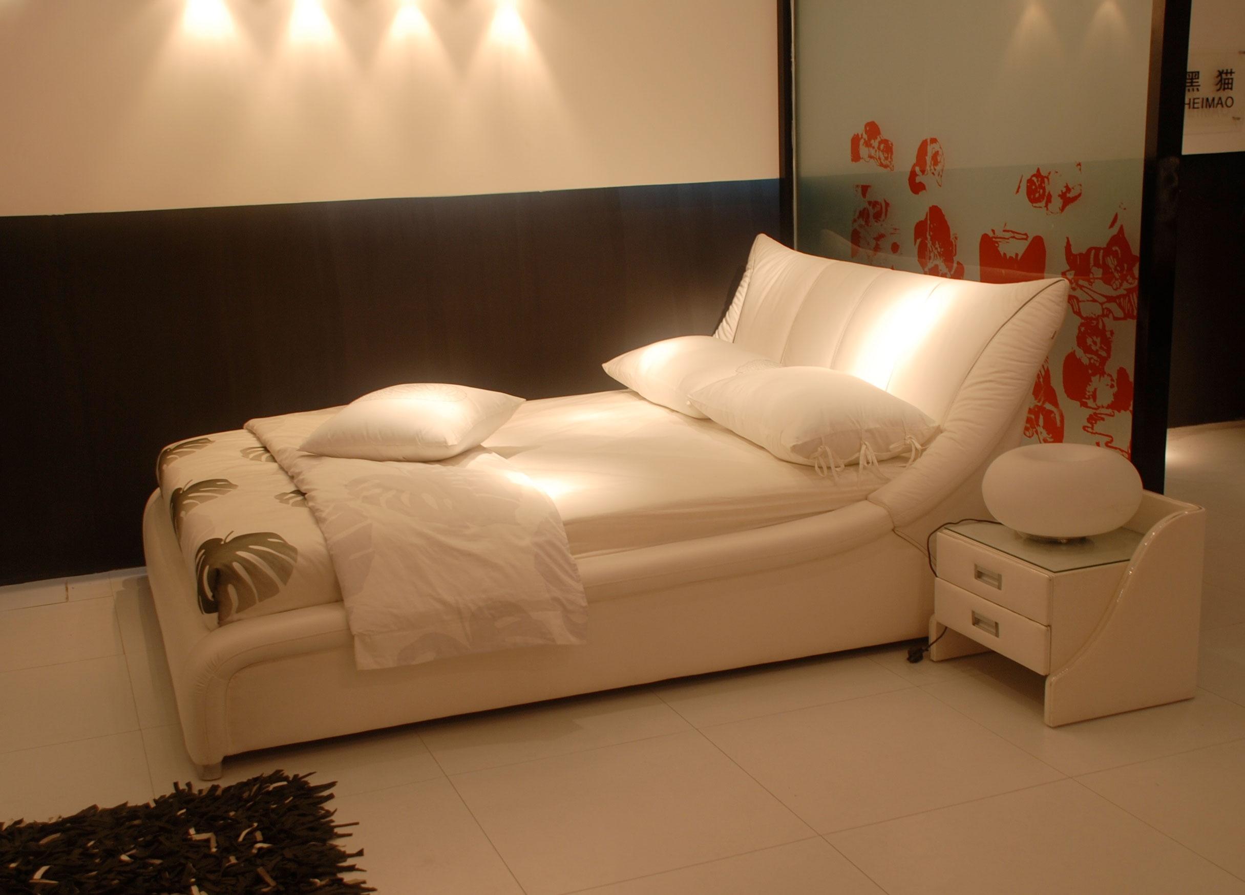 Двуспальная кровать 1007