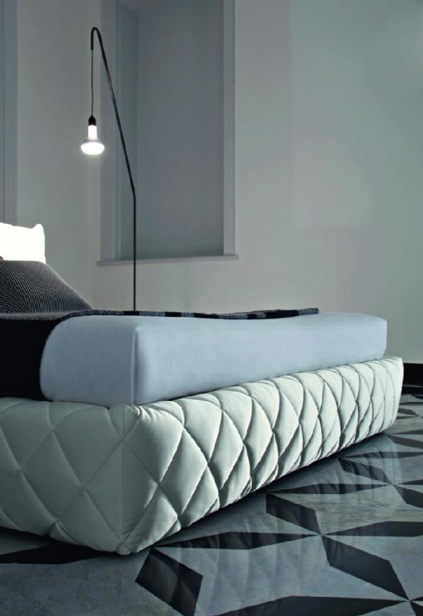 Двуспальная кожаная кровать Freesia (Фрезия)